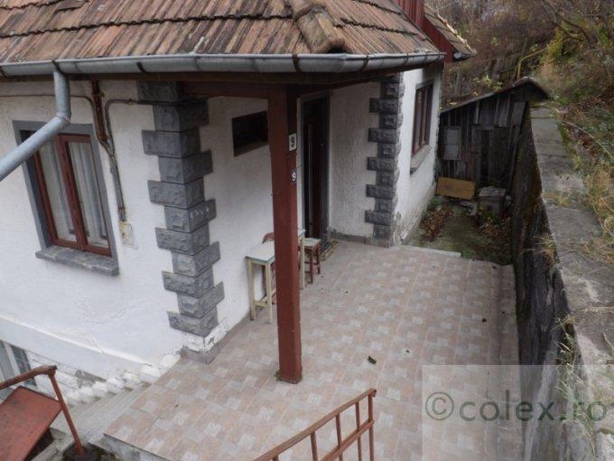 Apartament vanzare Semicentral cu 2 camere, etajul 10, 1 grup sanitar, cu suprafata de 55 mp. Sinaia, zona Semicentral.