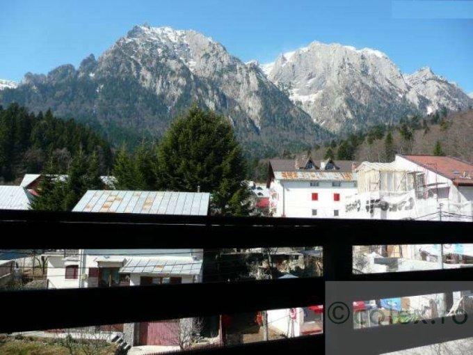 Apartament de vanzare direct de la agentie imobiliara, in Busteni, in zona Partia de ski Kalinderul, cu 72.000 euro negociabil. 1 grup sanitar, suprafata utila 57 mp.