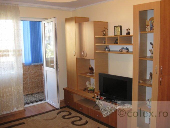 vanzare Apartament Sinaia cu 2 camere, cu 1 grup sanitar, suprafata utila 62 mp. Pret: 55.000 euro negociabil.