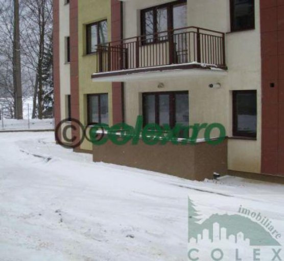 Apartament vanzare Semicentral cu 2 camere, etajul 1, 1 grup sanitar, cu suprafata de 59 mp. Sinaia, zona Semicentral.