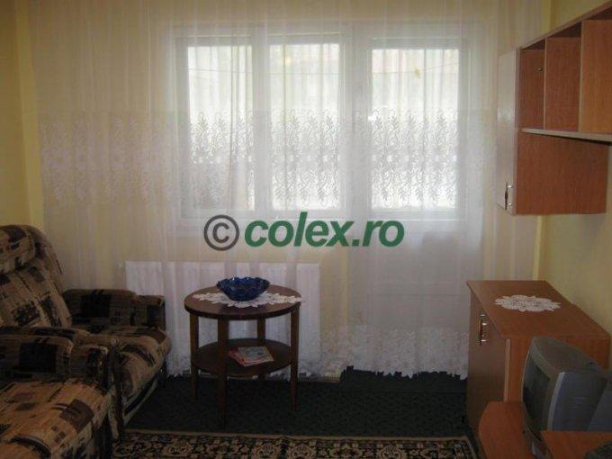 Apartament vanzare Semicentral cu 2 camere, etajul 1, 1 grup sanitar, cu suprafata de 50 mp. Busteni, zona Semicentral.