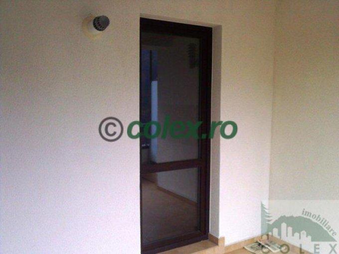 Apartament de vanzare in Sinaia cu 2 camere, cu 1 grup sanitar, suprafata utila 66 mp. Pret: 71.740 euro negociabil.
