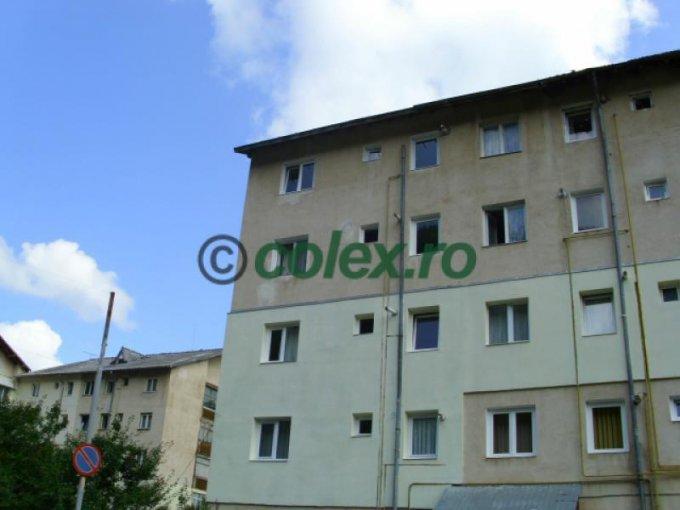 vanzare Apartament Azuga cu 2 camere, cu 1 grup sanitar, suprafata utila 37 mp. Pret: 50.000 euro negociabil.