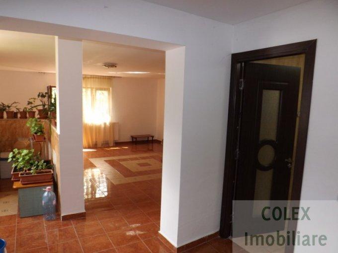 Apartament de vanzare direct de la agentie imobiliara, in Busteni, in zona Zamora, cu 44.000 euro negociabil. 1 grup sanitar, suprafata utila 63 mp.