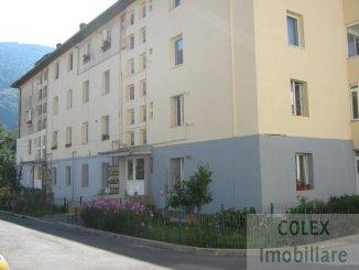 agentie imobiliara vand apartament decomandat, in zona Semicentral, orasul Sinaia
