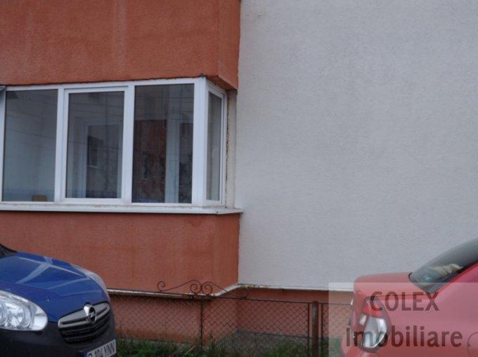 Apartament de vanzare direct de la agentie imobiliara, in Busteni, in zona Cezar Petrescu, cu 35.000 euro negociabil. 1 grup sanitar, suprafata utila 49 mp.