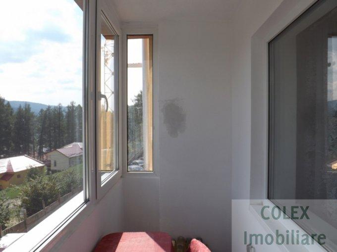vanzare Apartament Busteni cu 2 camere, cu 1 grup sanitar, suprafata utila 60 mp. Pret: 40.000 euro negociabil.