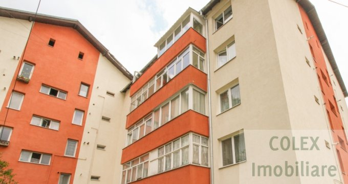 Apartament de vanzare direct de la agentie imobiliara, in Busteni, in zona Semicentral, cu 48.000 euro negociabil. 1 grup sanitar, suprafata utila 52 mp.