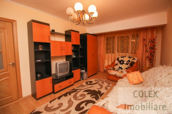 Apartament de vanzare in Sinaia cu 2 camere, cu 1 grup sanitar, suprafata utila 48 mp. Pret: 42.000 euro negociabil.