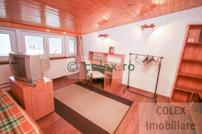 Apartament vanzare Centru cu 2 camere, etajul 1, 1 grup sanitar, cu suprafata de 58 mp. Busteni, zona Centru.