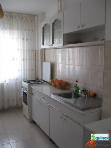 vanzare apartament cu 2 camere, decomandata, in zona Republicii, orasul Ploiesti