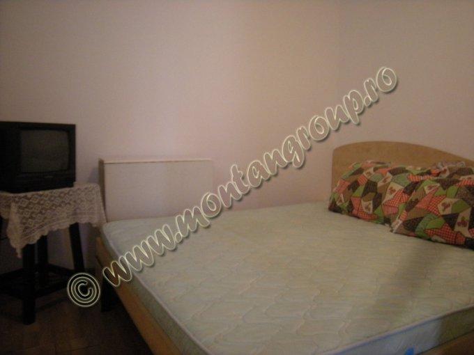 vanzare apartament cu 2 camere, decomandata, orasul Sinaia