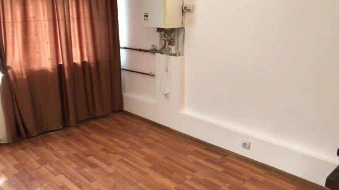 vanzare Apartament Busteni cu 2 camere, cu 1 grup sanitar, suprafata utila 31 mp. Pret: 35.000 euro. Incalzire: Centrala proprie a locuintei.