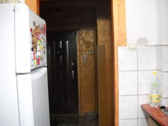 vanzare apartament cu 2 camere, semidecomandat, in zona Republicii, orasul Ploiesti