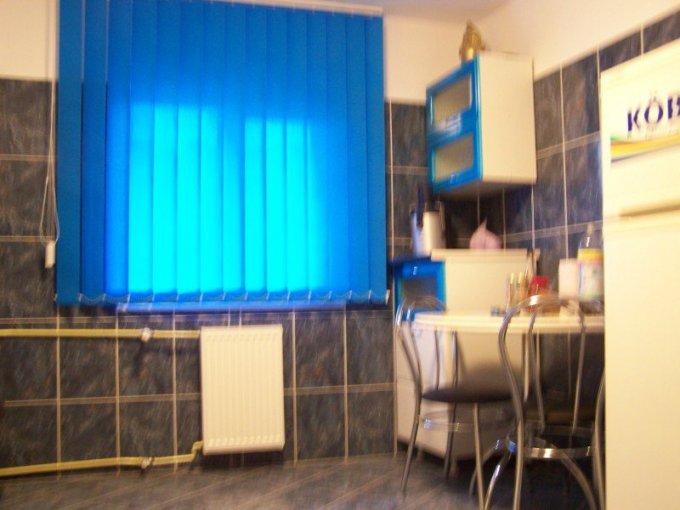 agentie imobiliara inchiriez apartament decomandata, in zona Gheorghe Doja, orasul Ploiesti