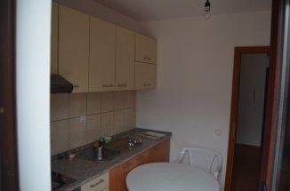 agentie imobiliara vand apartament decomandat, in zona Izvor, orasul Sinaia