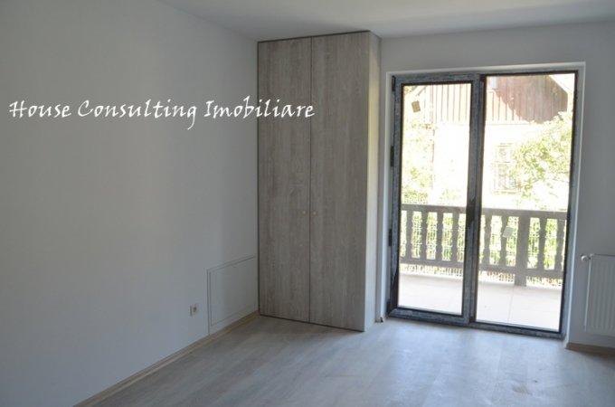 Apartament de vanzare direct de la agentie imobiliara, in Busteni, in zona Semicentral, cu 60.000 euro. 2  balcoane, 1 grup sanitar, suprafata utila 70 mp.