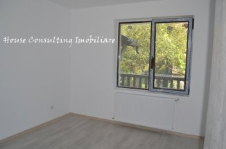 vanzare apartament cu 2 camere, decomandat, in zona Centru, orasul Busteni
