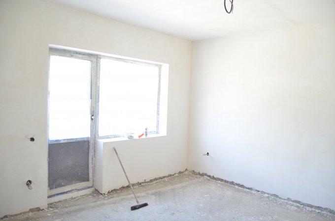Apartament vanzare Zamora cu 2 camere, etajul 2, 1 grup sanitar, cu suprafata de 80 mp. Busteni, zona Zamora.