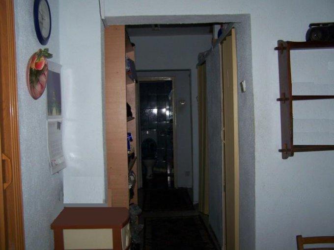 vanzare apartament cu 3 camere, decomandata, in zona Vest, orasul Ploiesti