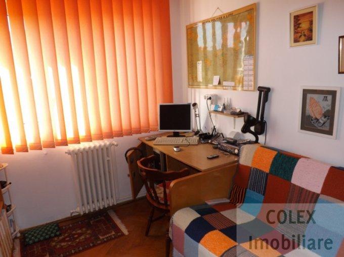 vanzare Apartament Busteni cu 3 camere, cu 1 grup sanitar, suprafata utila 73 mp. Pret: 75.000 euro negociabil.