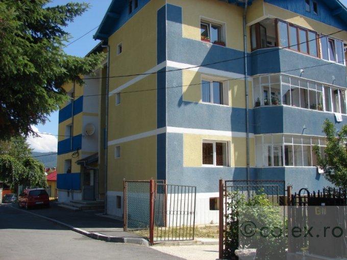 Apartament vanzare Busteni 3 camere, suprafata utila 100 mp, 2 grupuri sanitare. 89.000 euro negociabil. Etajul 1. Apartament Poiana Tapului Busteni  Prahova