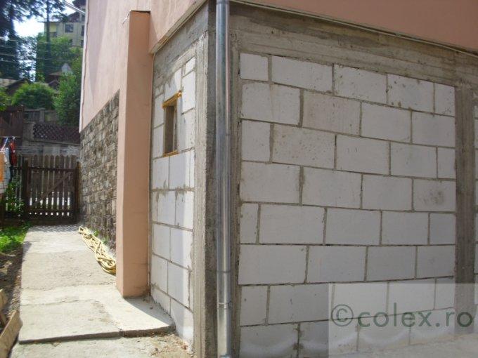 Apartament vanzare Sinaia 3 camere, suprafata utila 64 mp, 1 grup sanitar. 35.000 euro negociabil. Etajul 9. Apartament Semicentral Sinaia  Prahova