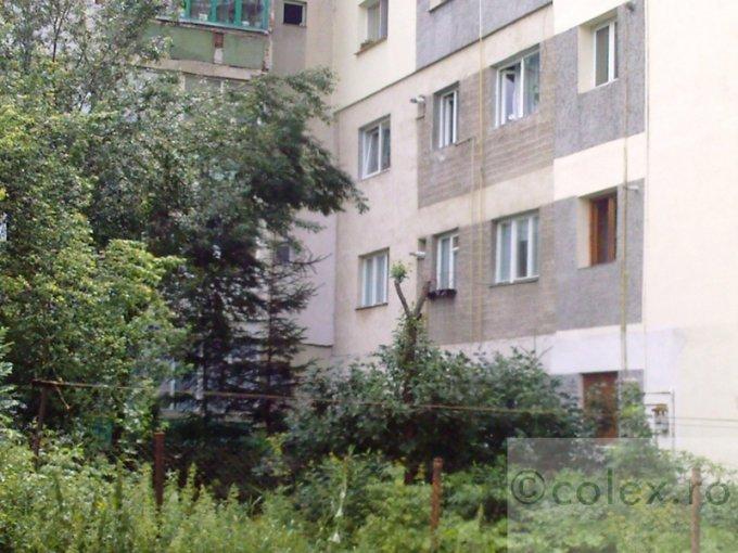 vanzare Apartament Azuga cu 3 camere, cu 2 grupuri sanitare, suprafata utila 63 mp. Pret: 66.000 euro negociabil.