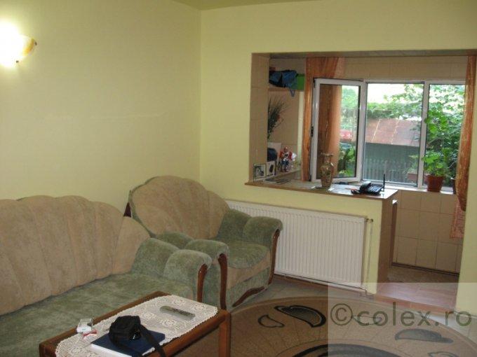 Apartament de vanzare in Breaza cu 3 camere, cu 1 grup sanitar, suprafata utila 45 mp. Pret: 48.000 euro negociabil.