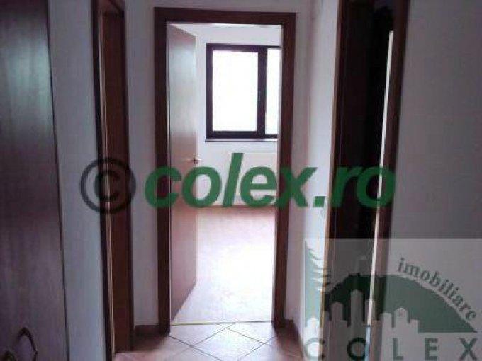 inchiriere Apartament Sinaia cu 3 camere, cu 2 grupuri sanitare, suprafata utila 90 mp. Pret: 400 euro negociabil.