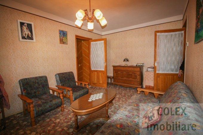 Apartament de vanzare direct de la agentie imobiliara, in Sinaia, in zona Platoul Izvor, cu 45.000 euro negociabil. 1 grup sanitar, suprafata utila 59 mp.