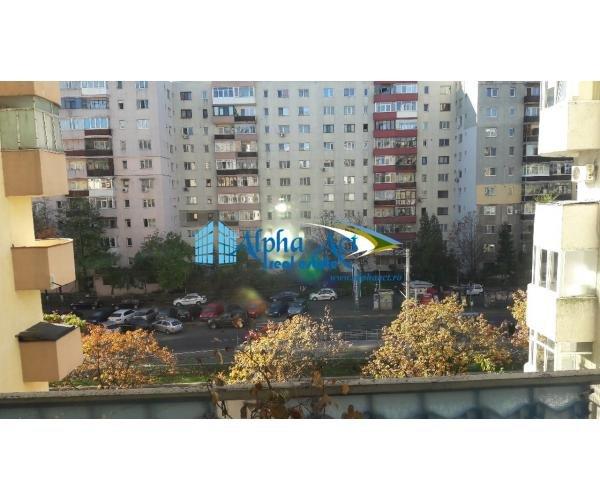 Apartament inchiriere Republicii cu 3 camere, etajul 4 / 9, 1 grup sanitar, cu suprafata de 62 mp. Ploiesti, zona Republicii. Semi-mobilat modest.