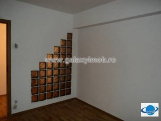 agentie imobiliara inchiriez apartament decomandata, in zona Vest, orasul Ploiesti