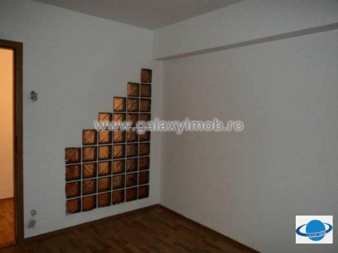 Apartament cu 3 camere de inchiriat, confort 1, zona Vest,  Ploiesti Prahova