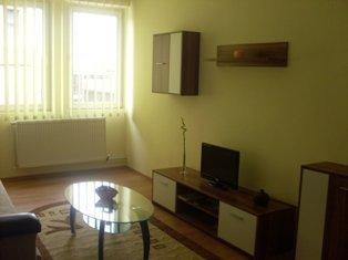 Apartament cu 3 camere de inchiriat, confort 1, Ploiesti Prahova