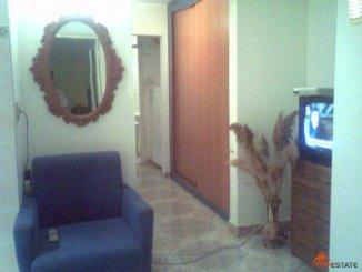 proprietar vand apartament decomandata, in zona Enachita Vacarescu, orasul Ploiesti