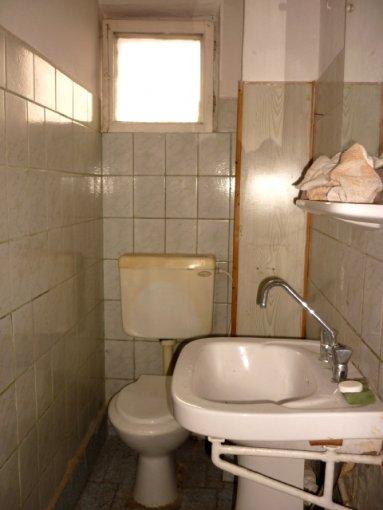 agentie imobiliara vand apartament decomandat, in zona Piata Mihai Viteazu, orasul Ploiesti