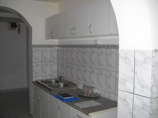 Prahova Ploiesti, zona Cantacuzino, apartament cu 3 camere de vanzare