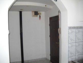vanzare apartament cu 3 camere, decomandat, in zona Cantacuzino, orasul Ploiesti