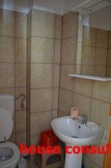 vanzare apartament cu 3 camere, decomandat, orasul Sinaia
