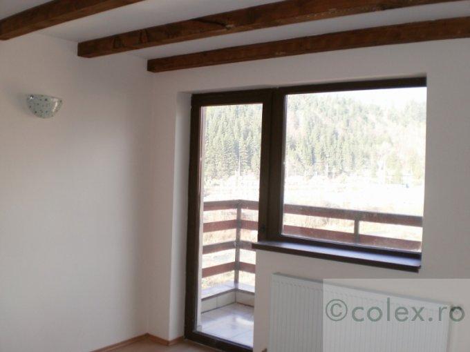 Apartament de vanzare direct de la agentie imobiliara, in Busteni, in zona Zamora, cu 61.000 euro negociabil. 2 grupuri sanitare, suprafata utila 117 mp.