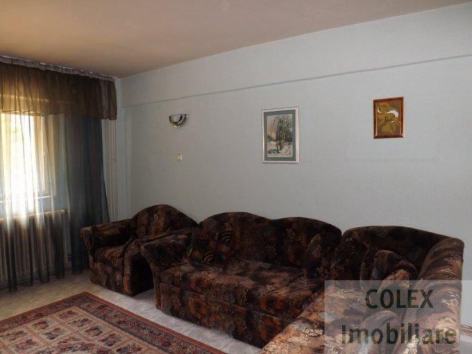 Apartament vanzare Centru cu 4 camere, etajul 1, 2 grupuri sanitare, cu suprafata de 81 mp. Azuga, zona Centru.