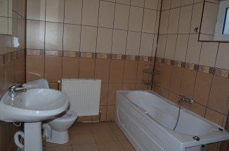 Prahova Busteni, zona Semicentral, apartament cu 4 camere de vanzare
