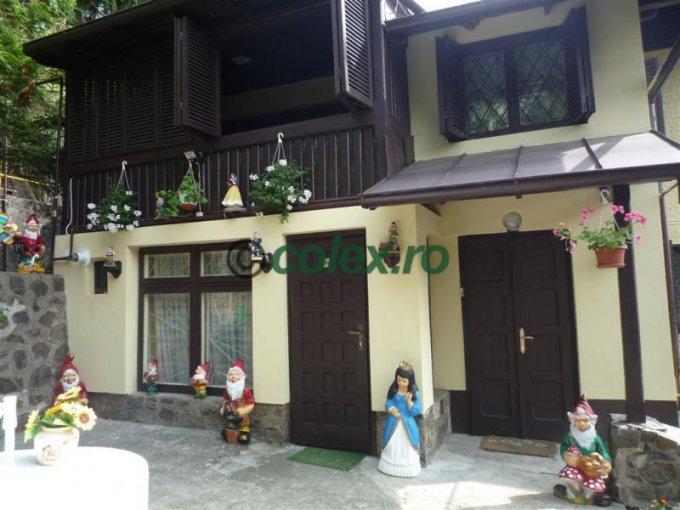 Apartament de inchiriat in Sinaia cu 5 camere, cu 2 grupuri sanitare, suprafata utila 138 mp. Pret: 600 euro negociabil.
