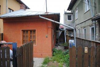 vanzare casa de la proprietar, cu 3 camere, in zona Centru, orasul Ploiesti