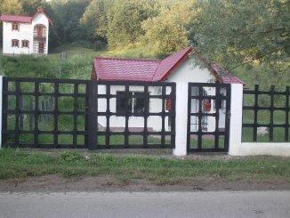 vanzare casa de la proprietar, cu 3 camere, in zona Nord, orasul Valenii de Munte