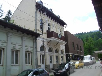 Casa de vanzare cu 5 camere, in zona Ultracentral, Sinaia Prahova