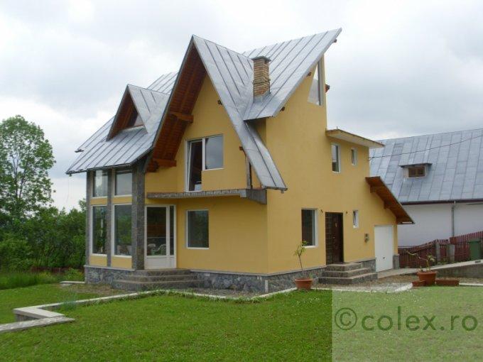 Casa de vanzare direct de la agentie imobiliara, in Comarnic, zona Semicentral, cu 250.000 euro negociabil. 2 grupuri sanitare, suprafata utila 250 mp. Are  6 camere.