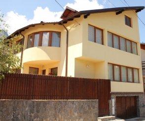 vanzare casa cu 6 camere, orasul Busteni, suprafata utila 293 mp