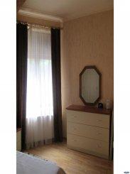 Apartament cu 3 camere de vanzare, confort 1, zona Semicentral,  Satu Mare